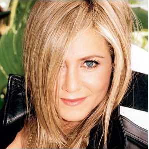 Jennifer Anniston é linda, há anos! E sabe se maquiar para parecer sempre jovem.