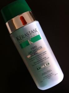 Você é loira? Precisa conhecer a linha reconstrutora de Kérastase. Ease sérum faz o cabelo voltar a vida!