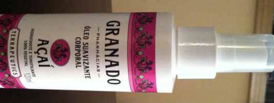 Este óleo vem em spray e ainda firma! Com dupla função, fica bom para você?