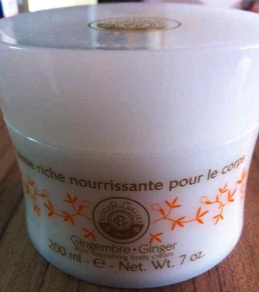 O próximo vai ser o Crème Riche Nourissante POur Le Corps, de Roger Gallet, sabor Gingembre, lançamento exclusivo da boutique da marca, em Ipanema, no Rio de Janeiro. Fragrância delicada e suave, hidratação extra.